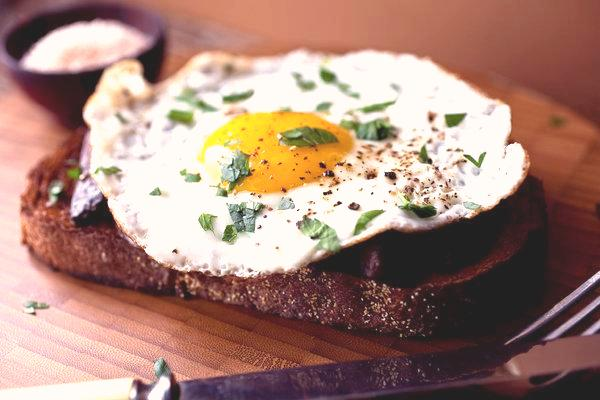 egg merlin_34296769_a6ab58a5-81be-4246-935d-2ec80a30ff3a-articleLarge